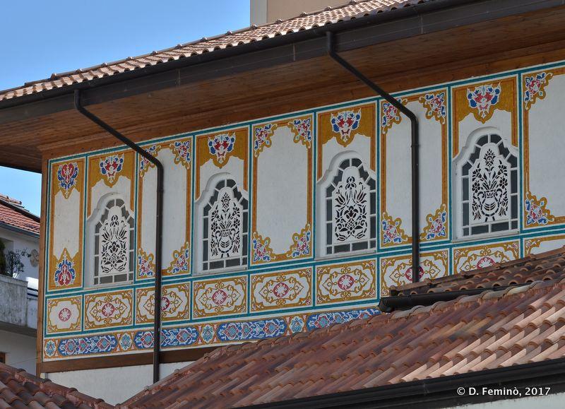 Detail of a mosque (Shkodër, Albania, 2017)