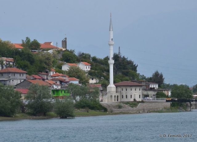 Little mosque by the lake (Lake Skadar, Albania, 2017)