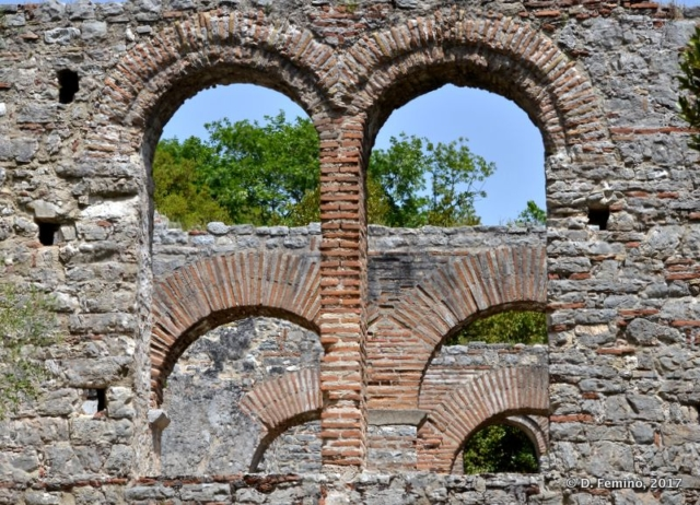 Serie of arch (Butrint, Albania, 2017)