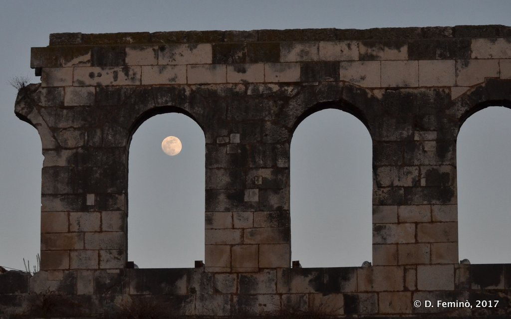 Split, Full moon in Diocletian palace