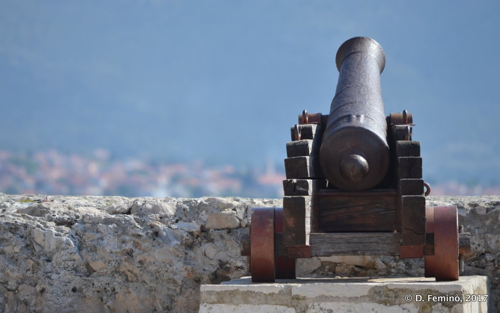Korčula, cannon towards the sea