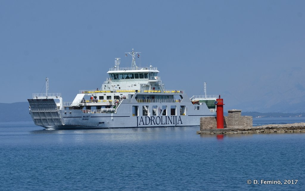 Trpanj, ferry entering into the harbour