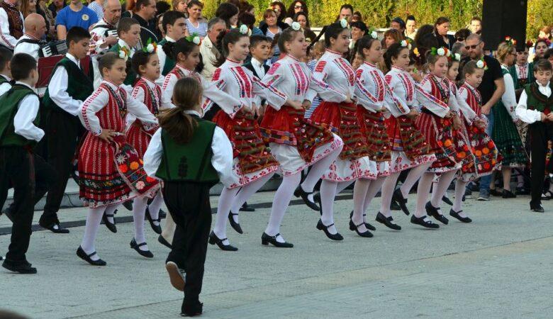 Folk dances in Burgas