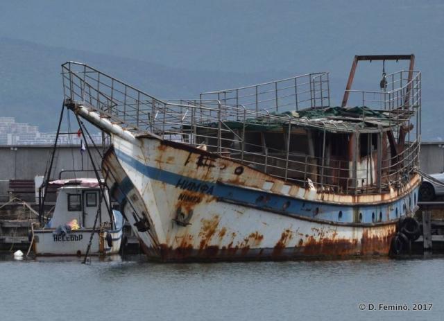 Rusty boat (Nesebar, Bulgaria, 2017)