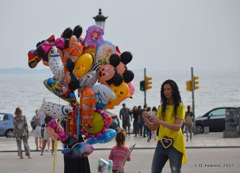 Balloons seller (Thessaloniki, Greece, 2017)