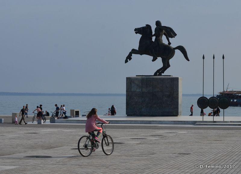Alexander statue by the sea (Thessaloniki, Greece, 2017)
