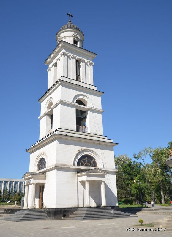 Cathedral belltower (Chișinău, Moldova, 2017)