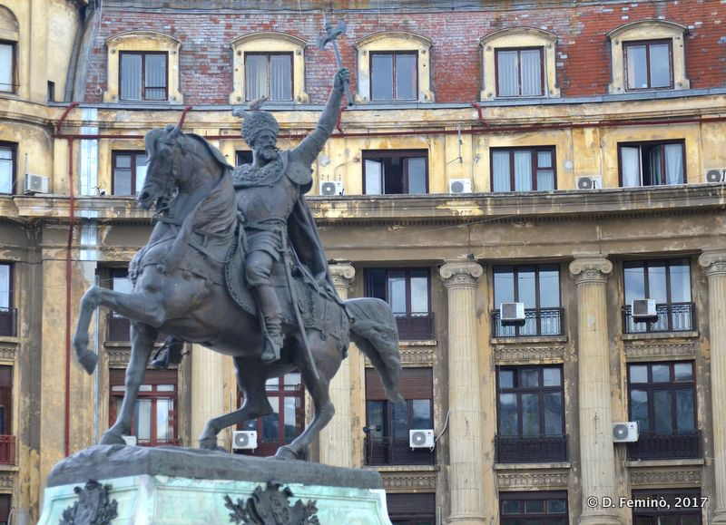 Horse statue (Bucharest, Romania, 2017)
