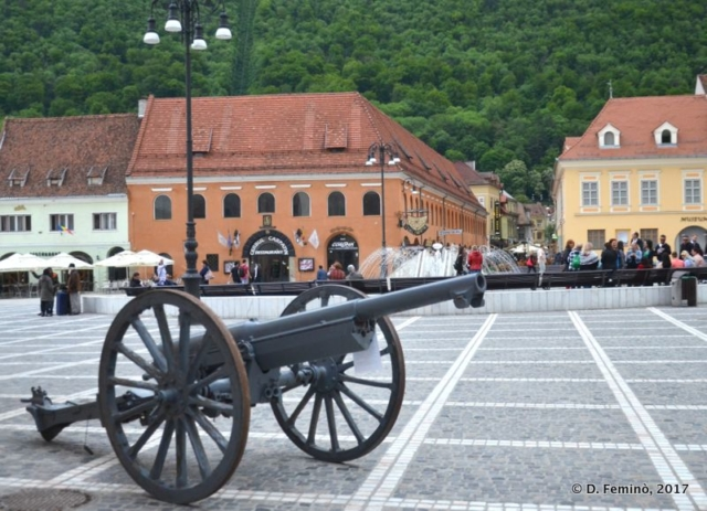 Cannon in Brašov square (Romania, 2017)