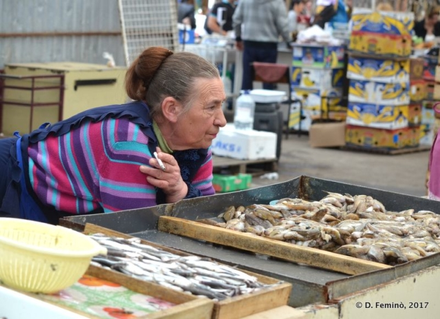 Selling fish in Privoz Bazar (Odessa, Ukraine, 2017)