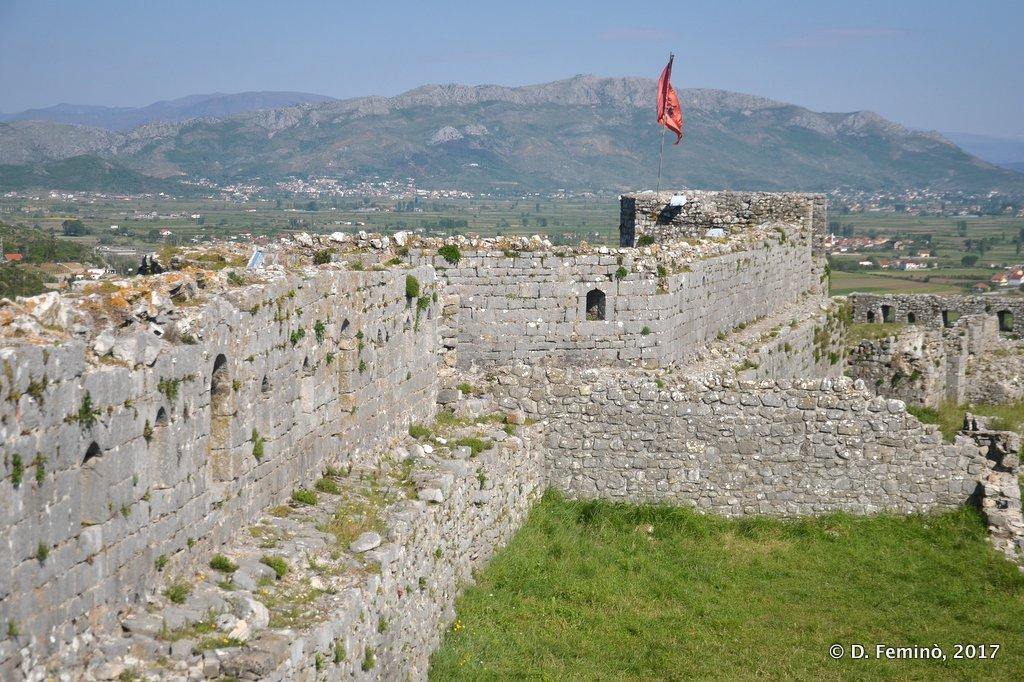 Shköder, Rampart at Rozafa castle
