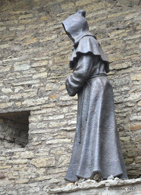 Monk statue (Tallinn, Estonia, 2017)