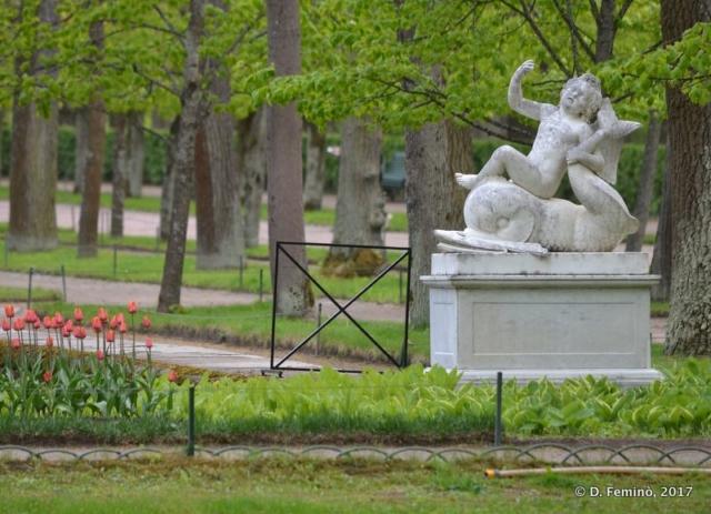 Statue in lower gardens (Petergof, Russia, 2017)