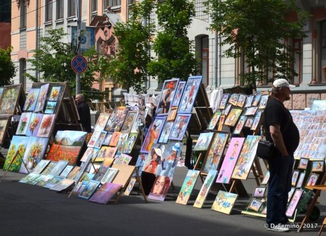 Picture market (Kiev, Ukraine, 2017)