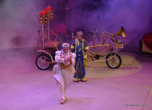 Clowns playing (Circus, Tyumen, Russia, 2017)