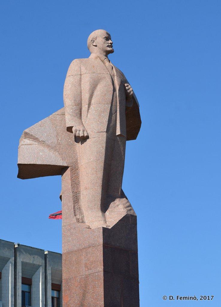 Tiraspol, Transnistria, Monumento to Lenin
