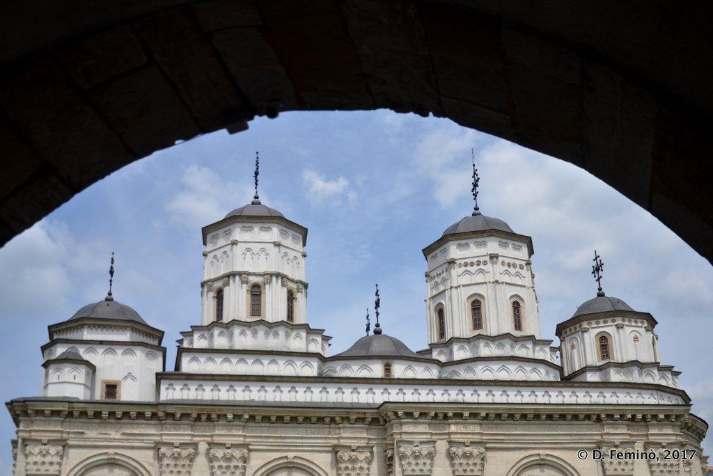 Iași, Golia monastery's domes