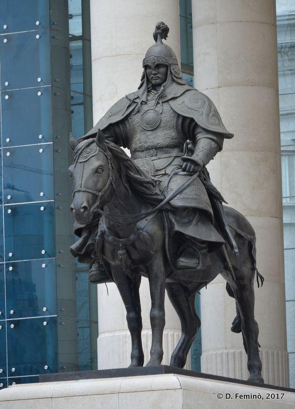 Statue on History Museum (Ulaanbaatar, Mongolia, 2017)