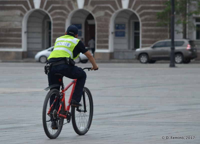 Policeman on a bike (Ulaanbaatar, Mongolia, 2017)