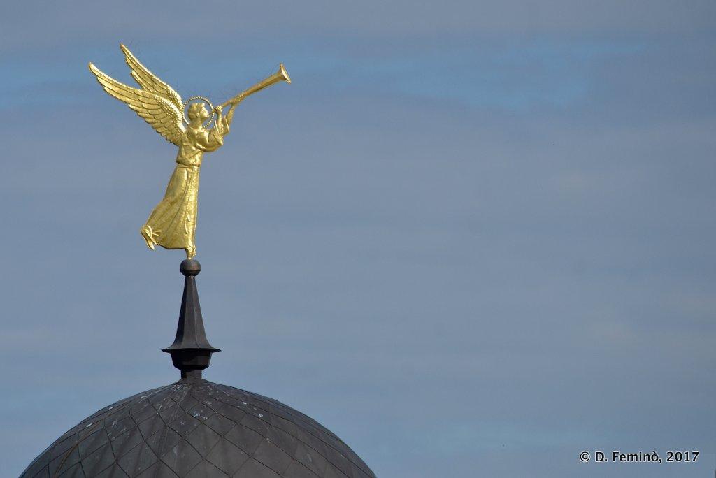 Tobolsk', a golden angel