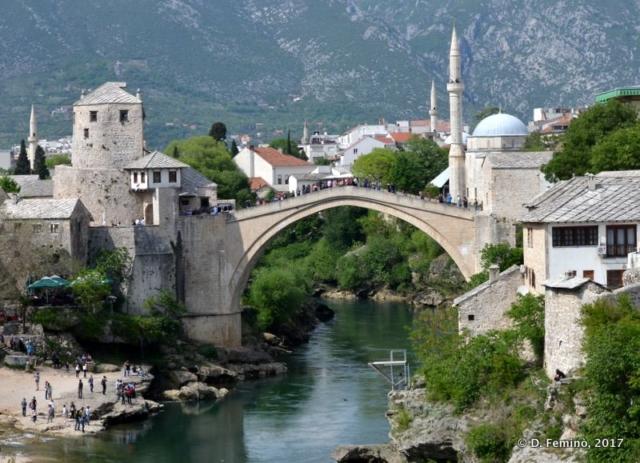 Old bridge with some sun (Mostar, Bosnia, 2017)