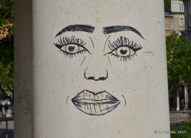 A face painted on column (Rijeka, Croatia, 2017)