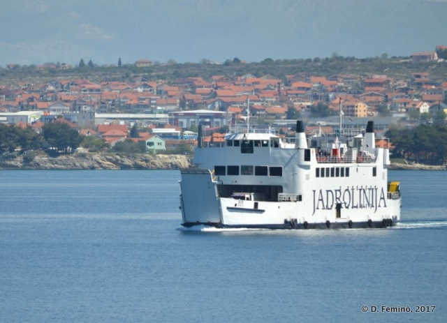 A ferry leaving the port (Zadar, Croatia, 2017)