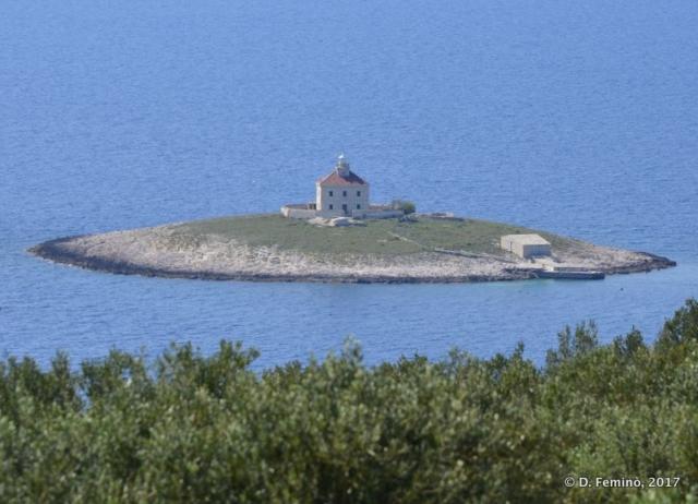 Pokonji Islet from the hill (Hvar, Croatia, 2017)