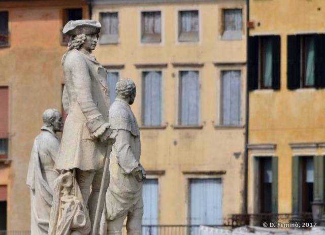 Statues in Prato della Valle (Padova, 2017)