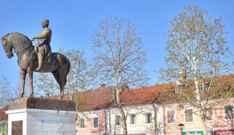 Nikola I statue in Nikšić
