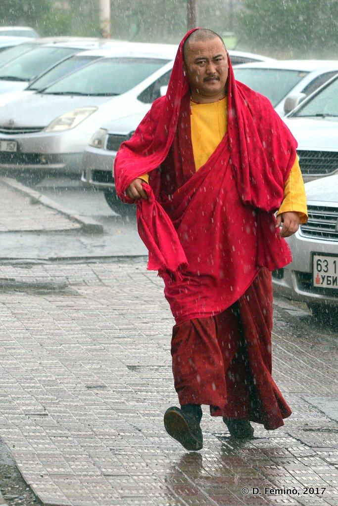 A monk in the rain, Ulaanbaatar