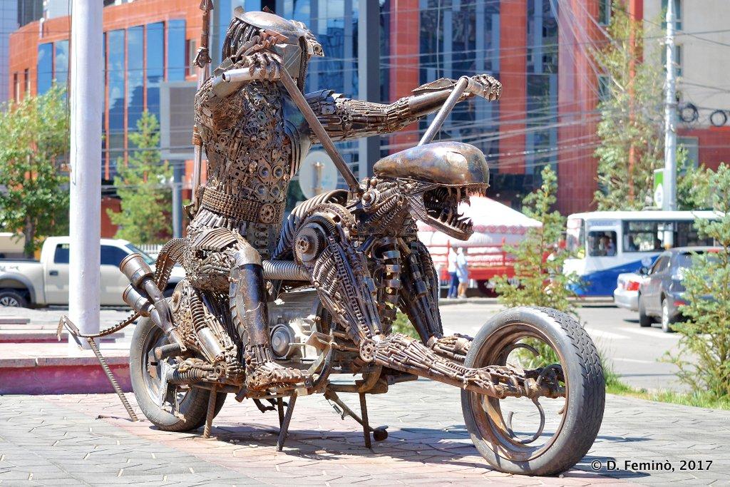 Monument Alien vs. Predator, Ulaanbaatar
