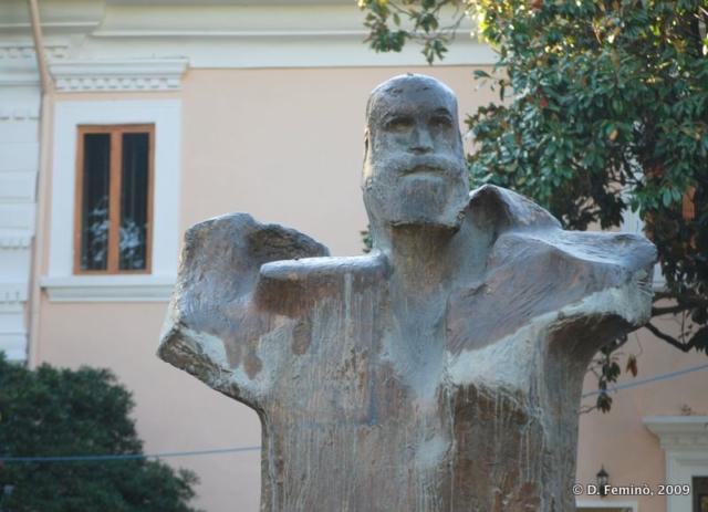 Modern statue (Tirana, Albania, 2009)