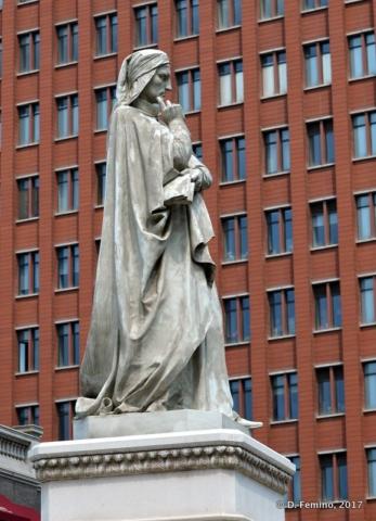 Dante Alighieri's statue (Tianjin, China, 2017)