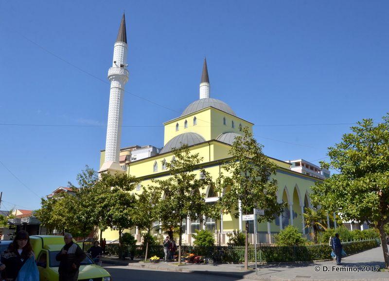 Yellow mosque (Shkodër, Albania, 2017)