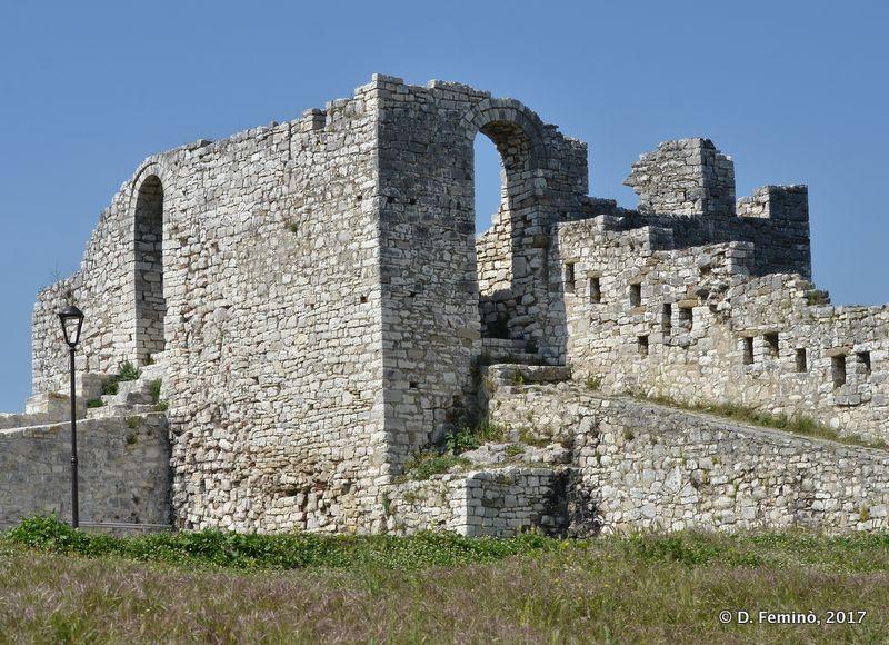 Castle walls (Berat, Albania, 2017)