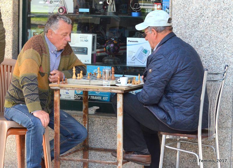 Playing chess (Berat, Albania, 2017)