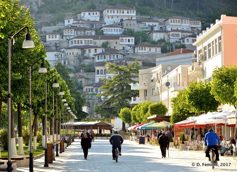 Main street (Berat, Albania, 2017)