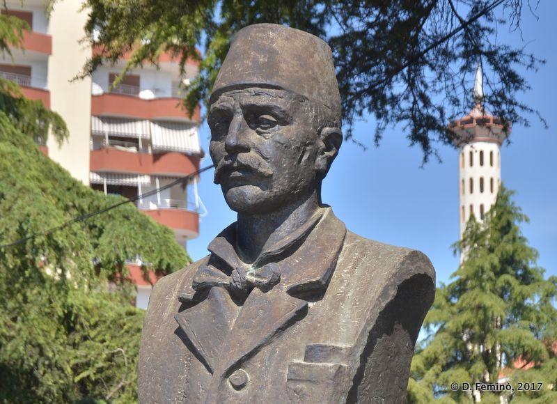 Tonç Kilica bust (Fier, Albania, 2017)