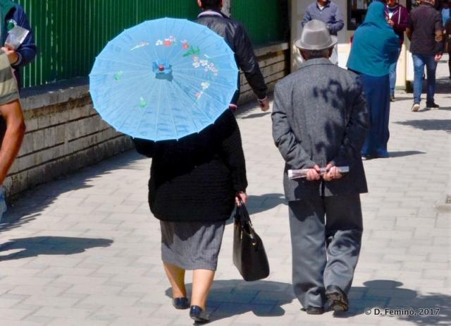 Strolling in town (Fier, Albania, 2017)