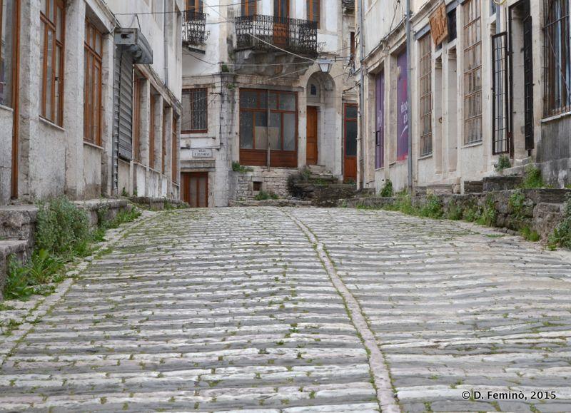 Cobbled street (Gjirokastër, Albania, 2017)
