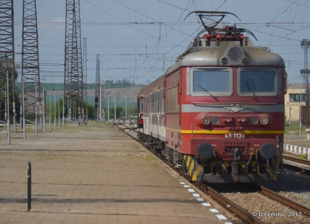 Train in the station (Karnobat, Bulgaria, 2017)