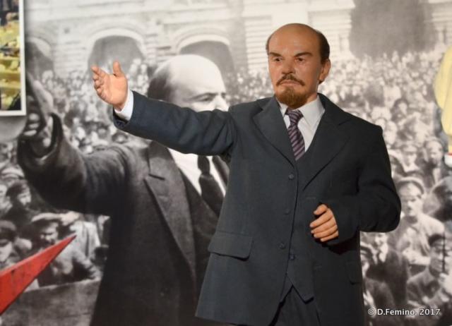 Lenin's still alive (Retro Museum, Varna, Bulgaria, 2017)