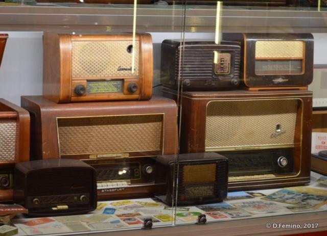 Old radios (Retro Museum, Varna, Bulgaria, 2017)