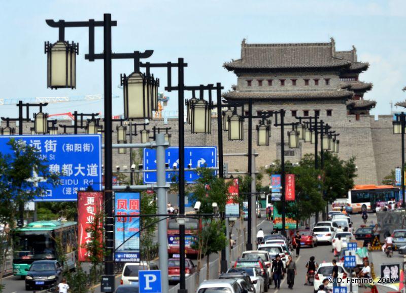 Central street (Datong, China, 2017)