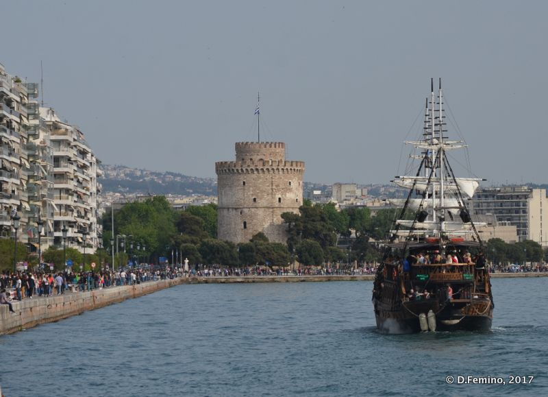 White tower and pirate ship (Thessaloniki, Greece, 2017)
