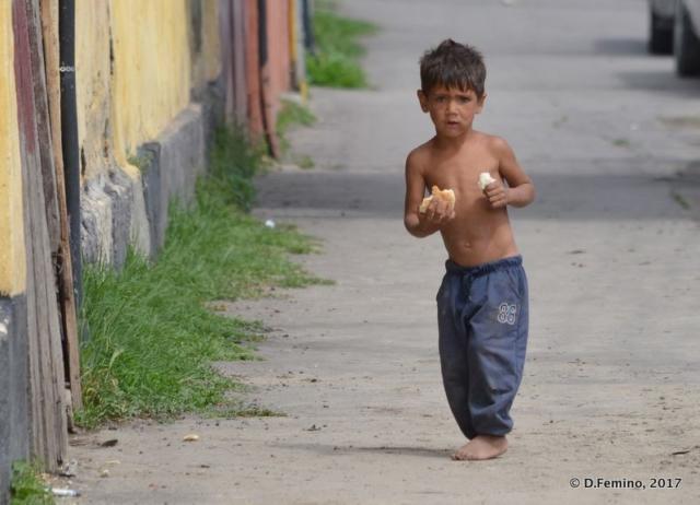 Little child in the street (Constanța, Romania, 2017)
