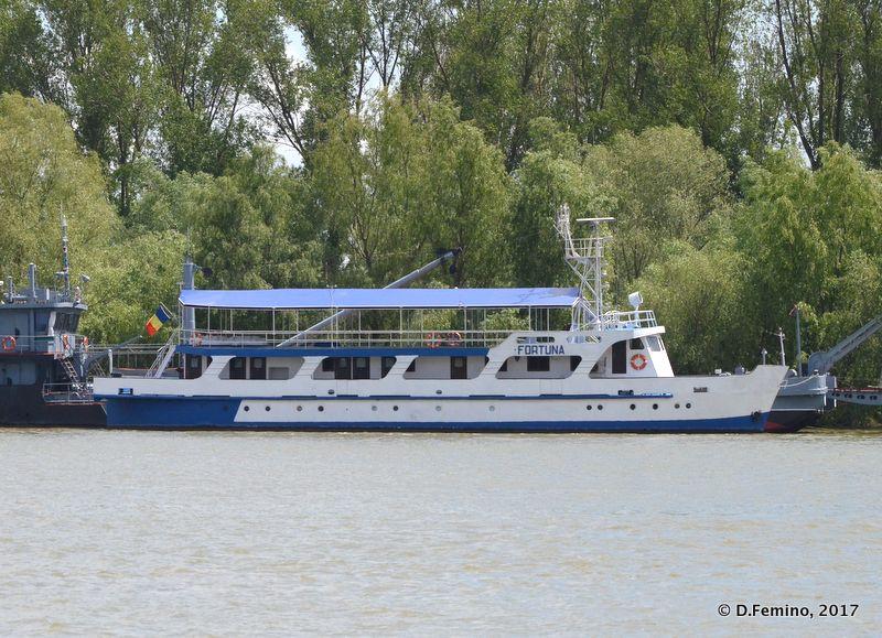Ferry to Tulcea (Danube Delta, Romania, 2017)