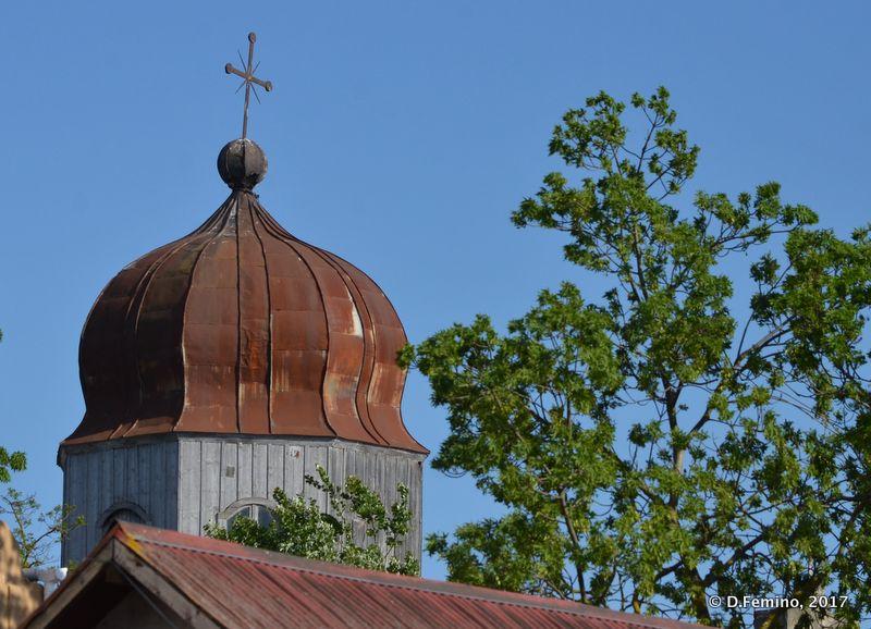 Russian church domes (Sulina, Romania, 2017)