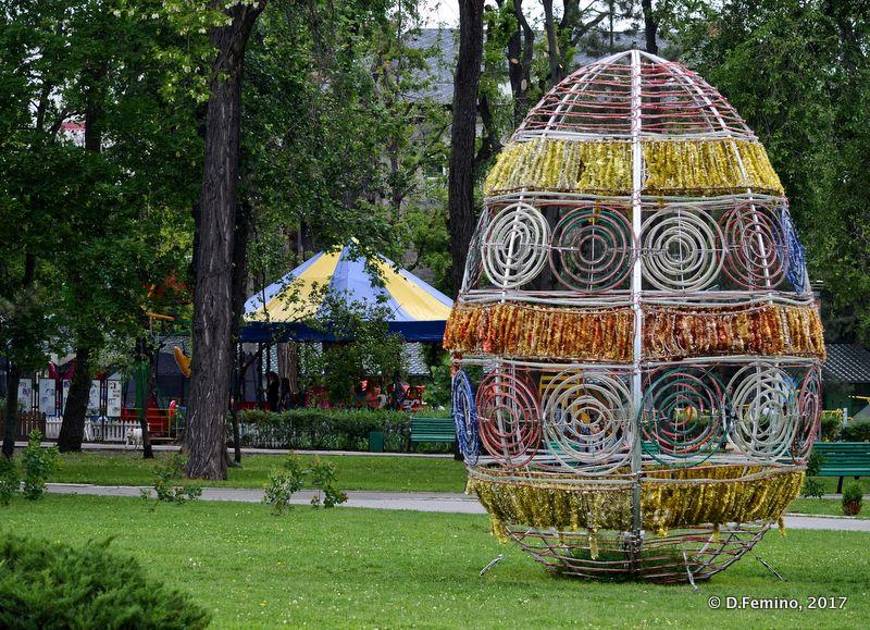 Easter egg in the park (Chișinău, Moldova, 2017)